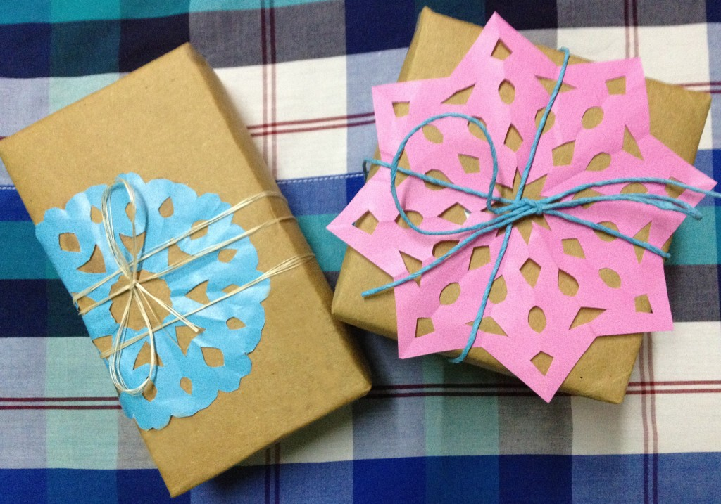 DIY Snowflake Accent for Gifts 2