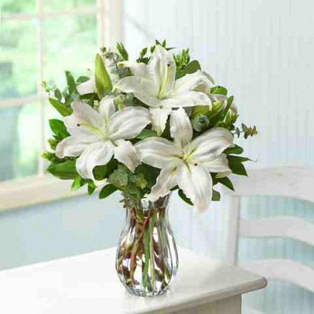 Mexican ladies generally love white flowers because they find white flowers uplifting and cheerful.