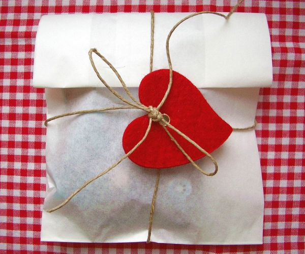 Heart and Twine Gift Wrap