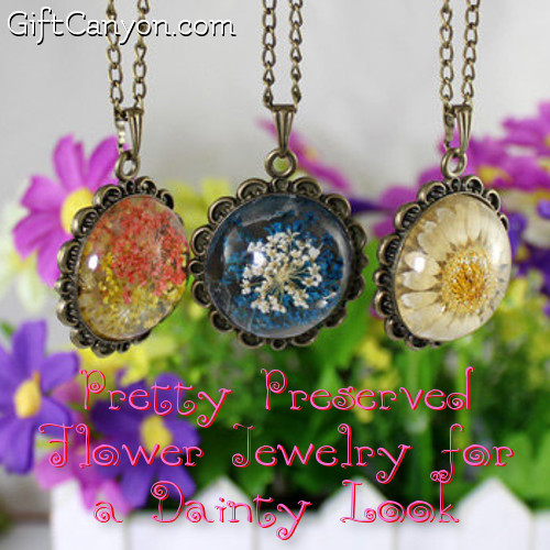Pretty Preserved Flower Jewelry for a Dainty Look